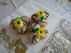 Fondant, Panna Cotta, Biscuits, Sweet Tooth, Sugar, Cookies, Ethnic Recipes, Desserts, Wedding