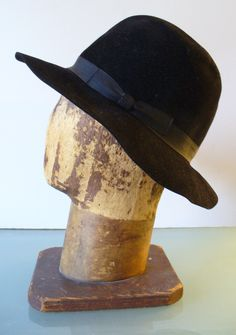 Vintage Fiorentina Black Wool Made in Italy Brimmed Hat by EurotrashItaly  on… Vintage Hats 99fb1ae6526
