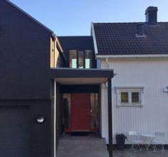 Miks og match med hustyper – Bergene Holm Blogg Garage Doors, Shed, Outdoor Structures, Outdoor Decor, Home Decor, Terrace, Modern, Lean To Shed, Interior Design