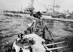 "1944 Germany, Colision between the ""Prinz Eugen"" and ""Leipzig"" almost has been cut in two."