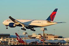 N707DN Delta Boeing 777-200