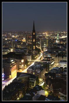 Hamburg at Night#HDR< repinned by www.BlickeDeeler.de
