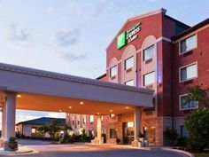 Broken Arrow (OK) Holiday Inn Express Hotel & Suites Tulsa South Broken Arrow Highway 51 United States, North America Holiday Inn Express Hotel & Suites Tulsa South Bro is perfectly located for both business and leisure guests in Broken Arrow (OK). The property features a wide range of facilities to make your stay a pleasant experience. Free Wi-Fi in all rooms, 24-hour front desk, facilities for disabled guests, family room, laundry service are just some of the facilities on o...