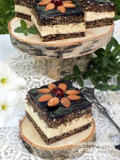 Domowa Cukierenka : makowiec japoński z kremem Poppy Seed Cake, Tiramisu, Cooking Recipes, Cupcakes, Baking, Ethnic Recipes, Food, Seeds, Europe