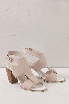 Monica Cut Out Heels - anthropologie.eu