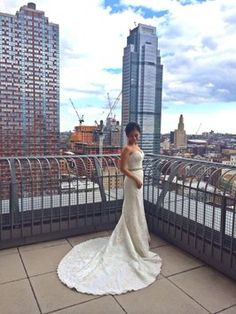 Henry Roth Kelsey Wedding Dress. Henry Roth Kelsey Wedding Dress on Tradesy Weddings (formerly Recycled Bride), the world's largest wedding marketplace. Price $850.00...Could You Get it For Less? Click Now to Find Out!