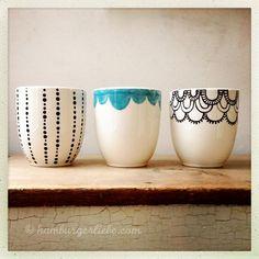mug art Hamburger Liebe Pottery Painting, Ceramic Painting, Ceramic Art, Ceramic Pottery, Pottery Art, Pebeo Porcelaine, Diy Becher, Cactus E Suculentas, Porcelain Pens