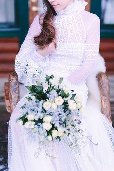 Wedding Photographer in Greece Santorini & Greek Islands White Wedding Dresses, Wedding Gowns, Snowy Wedding, Dress Winter, Bouquet Wedding, White Flowers, Affair, Wedding Styles, Greenery