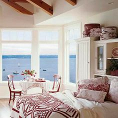 Lov the color scheme against the blue view!!
