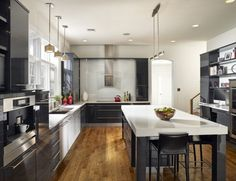 Get a trendy 2016 minimalist black and white kitchen to enhance its beauty and functionality