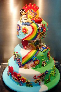rainbow path to moon? Pool Party Cakes, 60s Party, Creative Cakes, Gum Paste, Keto Dinner, Low Carb Keto, Let Them Eat Cake, Amazing Cakes, Cake Decorating