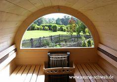 Panoramafenster - für Saunagenuss mit Ausblick Barrel Sauna, Steam Room, Ibiza, Deck, Outdoor Decor, Saunas, Garden Ideas, Home Decor, Rooms