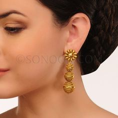 EAR/1/3438 Earrings in dull gold finish self carved $48 £28