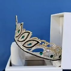 BJ223 Baroque Wedding Crowns (6 Colors). : Estimated Delivery Time: USA 10-25 Days (standard shipping) ; Worldwide 15-30 Days. : Processing time 2-5 business days after payment. Hair Jewelry, Jewelry Sets, Wedding Jewelry, Women Jewelry, Wedding Tiara Veil, Wedding Crowns, Baroque Wedding, Crown Aesthetic, Vintage Princess