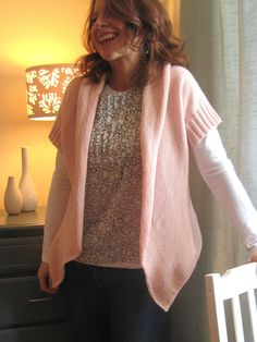 Pretty in Pink by Josée Paquin ~ Free Pattern on Ravelry.com ~ I would make with longer sleeves.
