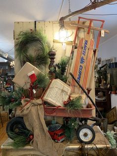 It's Wednesday and that means my Staging Your Antique Shop Group watched me stage this space! I walk them through why I put things where I do and what rules they can use to create an amazing vignette! What rules do you use when decorating your hom Christmas Shop Displays, Christmas Booth, Christmas Window Display, Christmas Store, Retro Christmas, Christmas Trees, Vintage Booth Display, Antique Booth Displays, Antique Booth Ideas