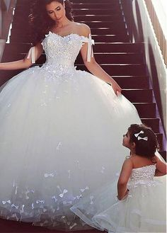 Gorgeous Tulle Off-the-shoulder Neckline Ball Gown Wedding Dress With Lace Appliques & Bowknot