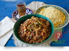 Eggplant, Oregano and Chick Pea Tagine, Chick Pea Tagine: A Moroccan style Chick Pea and Vegetable Tagine so delicious and easy to prepare. Middle Eastern Recipes, Moroccan Style, Meatless Monday, Kung Pao Chicken, Eggplant, Curry, Beef, Meals, Vegetables