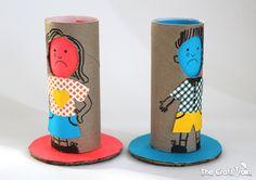 Use diferentes expressões nos bonecos para que a turma identifique seus sentimentos ao longo da história. Ou use-os para resolver conflitos! (foto: The Craft Train)