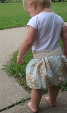 Infant bubble skirt Tutorial.  Would be cute to make a few of these to match the cute DIY onesies we made at my shower.