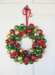 ornament wreath tutorial  great tutorial  love these wreath...one of these days, I will actually make one ♥♥