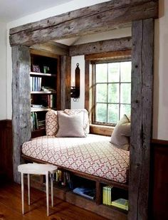 reading nook / spare bed