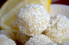 keto lemon coconut fat bombs Low Carb Desserts, Healthy Desserts, Low Carb Recipes, Delicious Desserts, Dessert Recipes, Easy Desserts, Cookie Recipes, Coconut Fat Bombs, Coconut Balls