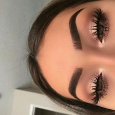 How to Add Some Summer Color to your Makeup Routine - - How to Add Some Summer Color to your Makeup Routine Beauty Makeup Hacks Ideas Wedding Makeup Looks for Women Makeup Tips Prom Makeup ideas Cut Natural. Makeup Hacks, Makeup Goals, Makeup Trends, Makeup Tutorials, Makeup Ideas 2018, Eye Trends, Skin Makeup, Eyeshadow Makeup, Nude Makeup