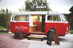 El Phototruck, un fotomatón de estilo clásico en el interior de una Volkswagen de los años 70.