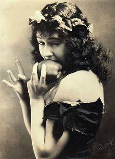 Dorothy Gish 1924