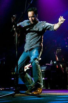Two stepping Dave Matthews why do I love him so much ?? let me count the ways.....