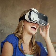 If you own the Samsung Galaxy Gear VR, you should refrain from using the headset with the smartphone. That's what Oculus - whose technology powers the VR headset - is saying. Virtual Reality Glasses, Virtual Reality Headset, Augmented Reality, Virtual Reality Companies, Galaxy Note 4, Galaxy S8, Smartwatch, Microsoft, Smartphone