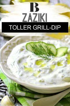 Dips zum Grillen: Die besten Rezepte. Der griechische Klassiker unter den Dips zum Grillen: Auf dem Steak, auf geröstetem Brot oder Baguette – mit selbst gemachten griechischem Zaziki aus Gurken, Joghurt und Knoblauch macht ihr beim Grillen für Gäste einfach nichts falsch! Zum Rezept: Zaziki. #dips #zaziki #rezept #schnell #einfach #grillen #vegetarisch #griechsich #brot #dip #sauce Carrot Banana Cake, Homemade Carrot Cake, Barbacoa, Pizza Hut, Vegan Vegetarian, Vegetarian Recipes, Roasted Eggplant Dip, Grill Party, Night Snacks