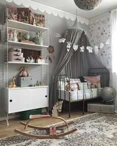 I'm not the type for bright colours so this for a nursery is what I like. the walls, bed, and decorations aren't over powering colours and what ever colours are shown there not blinding, there neutral. to me this is a very soft natural looking nursery Baby Bedroom, Nursery Room, Girl Nursery, Girls Bedroom, Nursery Gray, Bedroom Ideas, Deco Kids, Little Girl Rooms, Nursery Inspiration