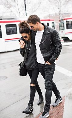 Couple Street Style & More Details Fashion Couple, Look Fashion, Fashion Beauty, Womens Fashion, Matching Couples, Cute Couples, Swag Couples, Urban Lifestyle, Shotting Photo