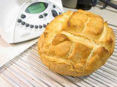 Pan rápido Thermomix: haz Pan Casero con Thermomix sin masa madre. La receta incluye las medidas para hacer la versión sin gluten apta para celiacos. Pan Rapido Thermomix, Thermomix Bread, Pan Bread, Bread Cake, Spanish Food, Bread Recipes, Tapas, Food And Drink, Pie