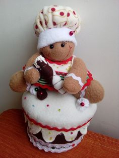 Blog voltado à artesanato em geral. Mary Christmas, Christmas Sewing, Christmas Kitchen, Christmas Projects, Handmade Christmas, Gingerbread Man, Gingerbread Cookies, Felt Dolls, Favorite Holiday