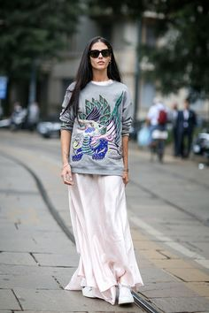 Straight from the streets: off the catwalks, Milan Fashion Week s/s 2015 street style is delivering a riot of colour, texture and print. Tomboy Dresses, Street Look, Street Style, Loungewear Outfits, Tomboy Chic, City Style, Gilda Ambrosio, Fashion Beauty, Kali Uchis