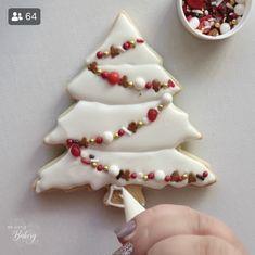 Snowflake Christmas Cookies, Christmas Sugar Cookies, Christmas Sweets, Christmas Cooking, Gingerbread Cookies, Holiday Cookies, No Bake Sugar Cookies, Fancy Cookies, Iced Cookies