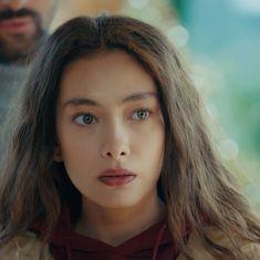 Turkish Women Beautiful, Turkish Beauty, Drawing Heads, Film Music Books, Turkish Actors, Aesthetic Vintage, Face Claims, Anime Art Girl, Cinema