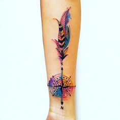 Brújula acuarela #mila #tattoo #compass #compasstattoo #watercolortattoo #feather
