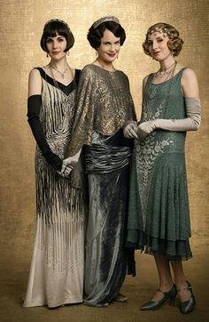 """Michelle Dockery, Elizabeth McGovern und Laura Carmichael in """"Downton Abbey"""" Elizabeth Mcgovern, Michelle Dockery, Watch Downton Abbey, Downton Abbey Fashion, Vintage Outfits, 1920s Outfits, Plus Size Flapper Dress, Downton Abbey Costumes, Laura Carmichael"""