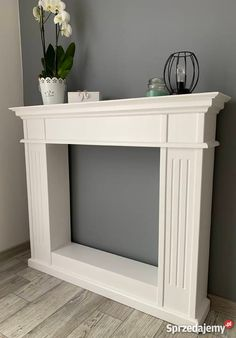 Faux Fireplace Mantels, Candles In Fireplace, Fireplace Design, Fireplace Surrounds, Diy Furniture Projects, Home Decor Furniture, Furniture Makeover, Diy Home Decor, Chimney Decor