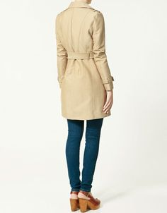 Or this one. + Silhouette and shoulder details.