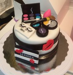 Cosmetic Cake For A Chic Lady Cakes Cake Decorating Daily