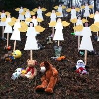 The massacre of 20 children and 7 adults at the Sandy Hook elementary school last Friday was one more in a long line of atrocious mass murders committed in the USA. By now, four days later, an official version of events has more or less solidified to .