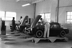 AC Shelby Cobra 289 assembly | Flickr - Photo Sharing!