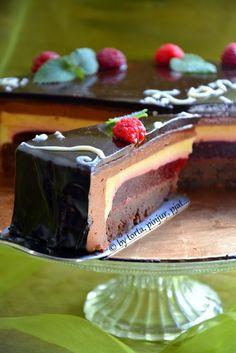 "torta, pinjur, pjat...: Torta ""Suita"" Torte Recepti, French Cake, Torte Cake, Peanut Butter Brownies, Desserts To Make, Drip Cakes, Chocolate Desserts, Chocolate Cake, Desert Recipes"