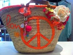 Panier peace Creation Couture, Fasion, Ibiza, Peace And Love, Straw Bag, Boho Chic, Shopping Bag, Projects To Try, Creations