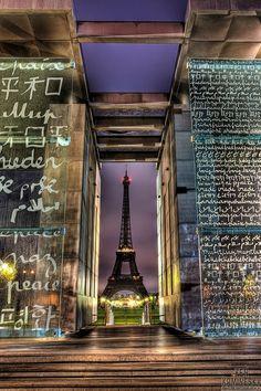 Mur pour la Paix,Champ de Mars - Paris 7